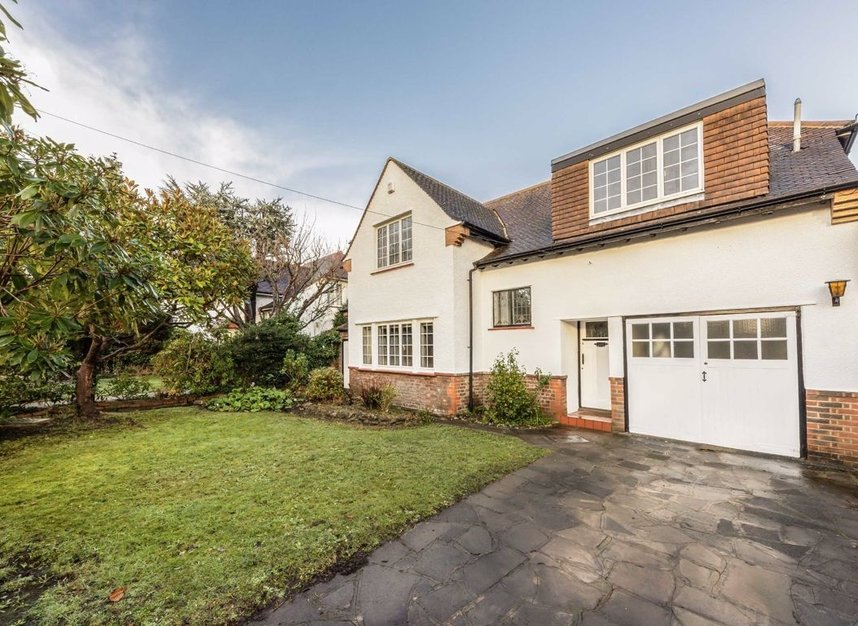 Properties for sale in Courtlands Avenue - TW12 3NT view1