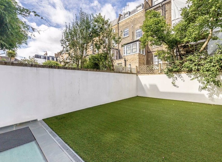 Properties for sale in Courtnell Street - W2 5BU view6