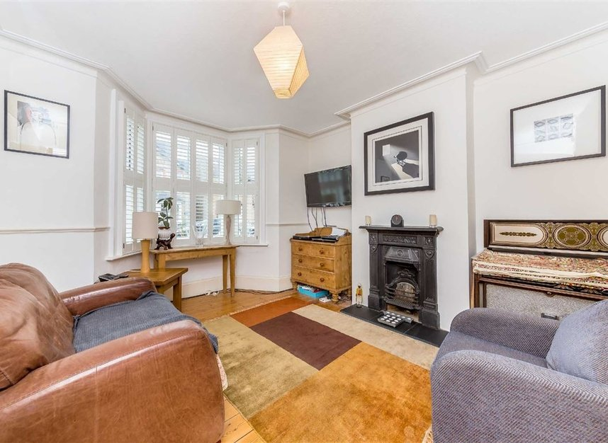 Properties for sale in Craven Road - KT2 6LW view3