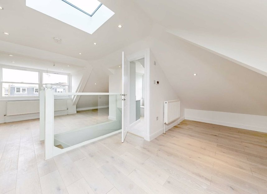 Properties for sale in Cromwell Grove - W6 7RG view4