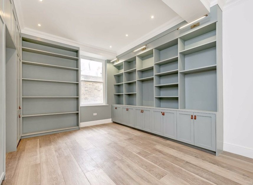 Properties for sale in Cromwell Grove - W6 7RG view5