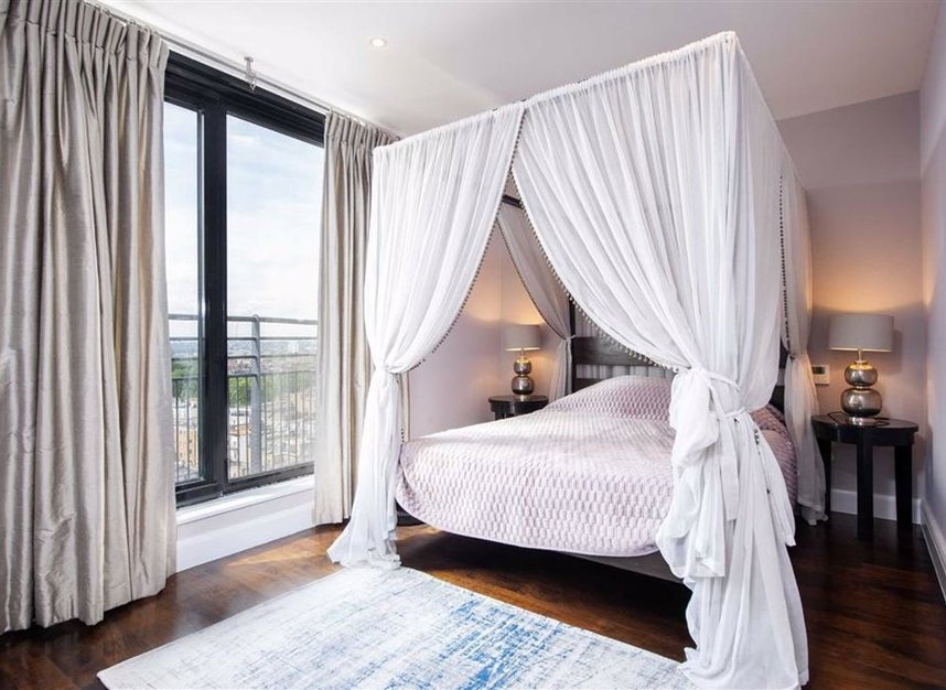 Properties for sale in Cromwell Road - SW7 4XN view3