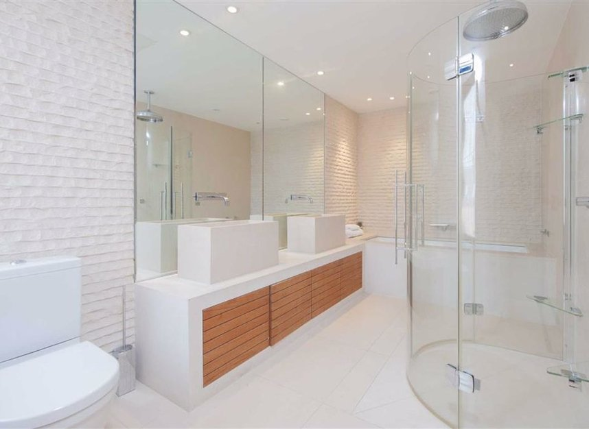 Properties for sale in Cromwell Road - SW7 4XN view7