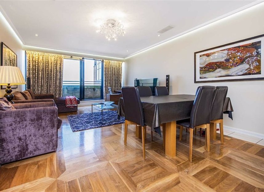 Properties for sale in Cromwell Road - SW7 4XN view2