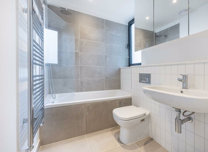 Properties for sale in Crown Street - W3 8SB view5