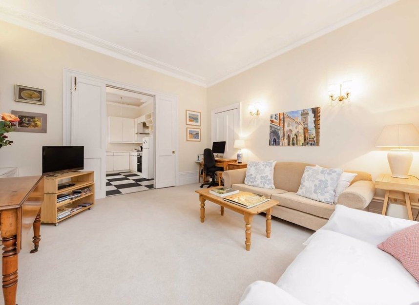 Properties for sale in Denning Road - NW3 1ST view6