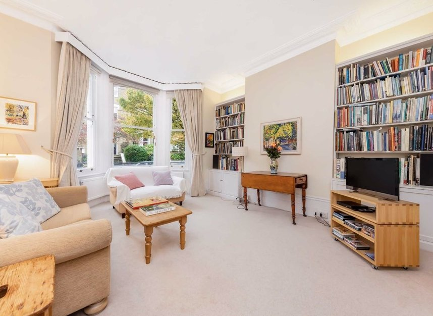 Properties for sale in Denning Road - NW3 1ST view5