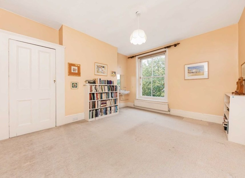 Properties for sale in Denning Road - NW3 1ST view9
