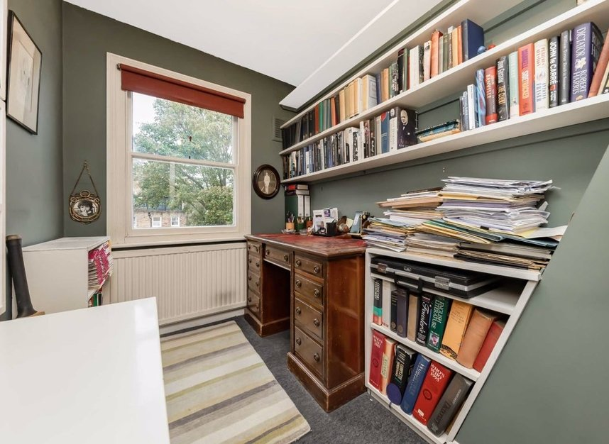 Properties for sale in Denning Road - NW3 1ST view10