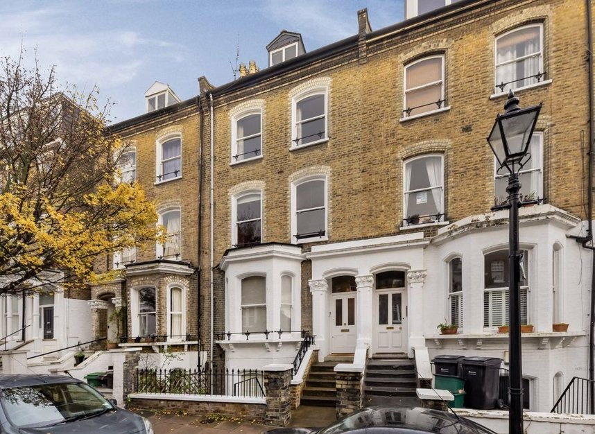 Properties for sale in Denning Road - NW3 1ST view1