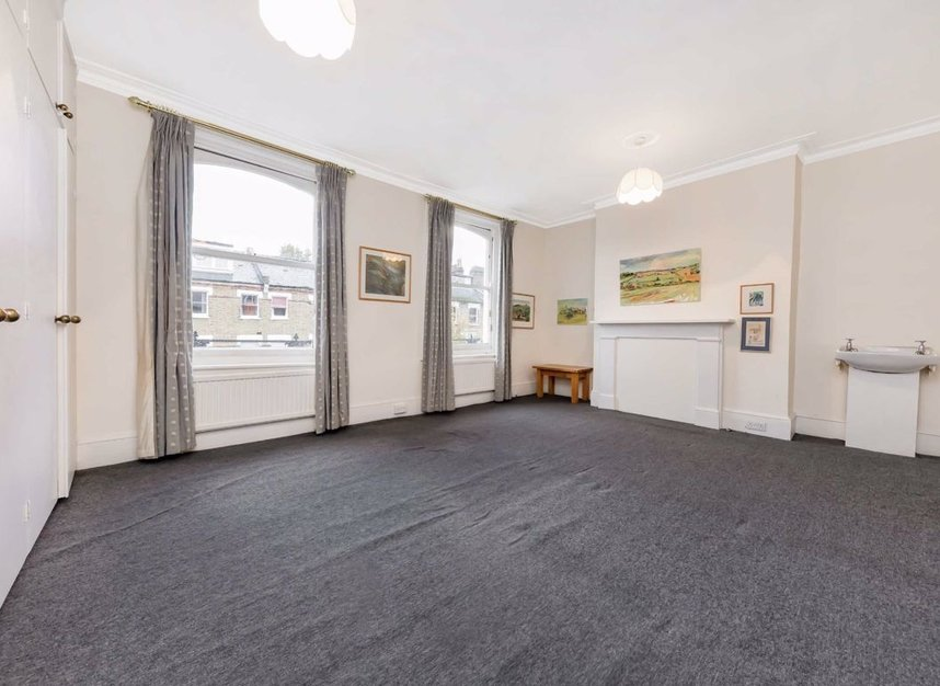Properties for sale in Denning Road - NW3 1ST view8