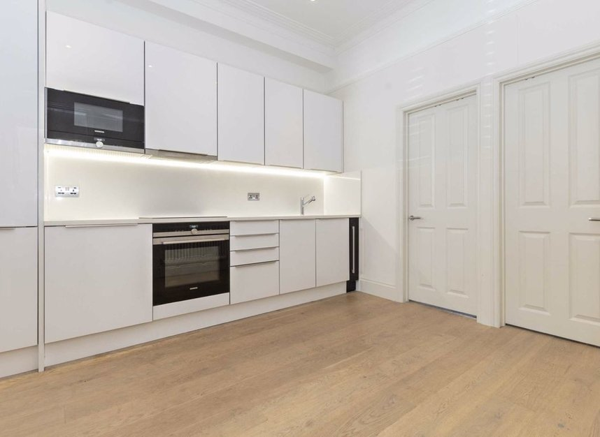 Properties for sale in Disraeli Road - SW15 2DX view3