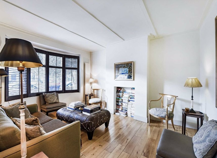 Properties for sale in Dordrecht Road - W3 7TF view2