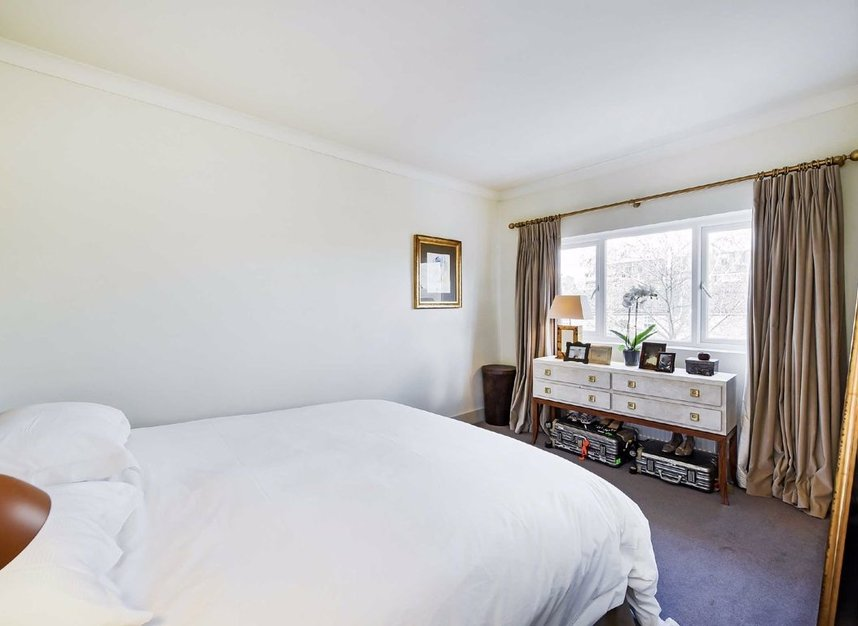 Properties for sale in Dordrecht Road - W3 7TF view6