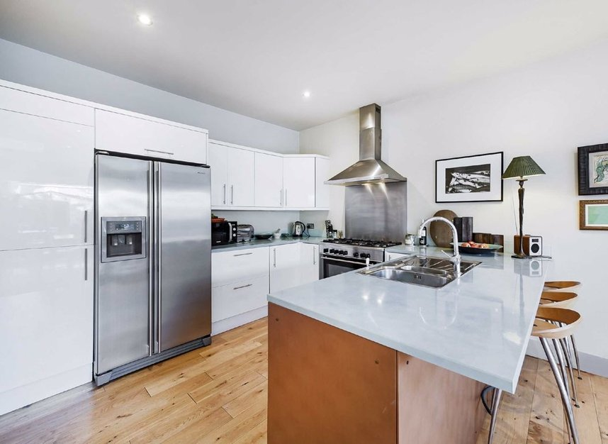 Properties for sale in Dordrecht Road - W3 7TF view3