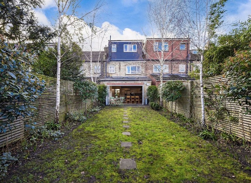 Properties for sale in Dordrecht Road - W3 7TF view10
