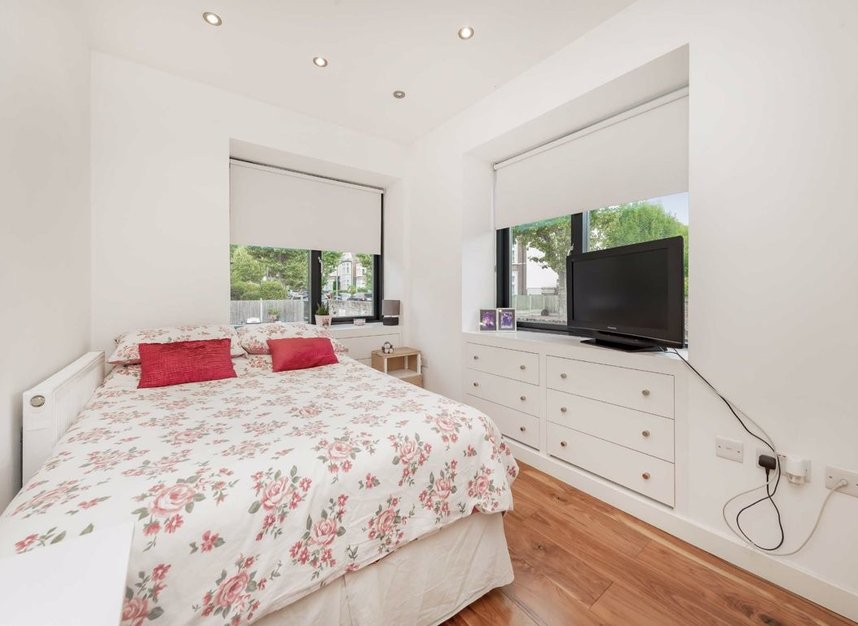Properties for sale in Dundonald Road - NW10 3HR view7