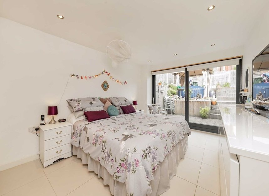 Properties for sale in Dundonald Road - NW10 3HR view3