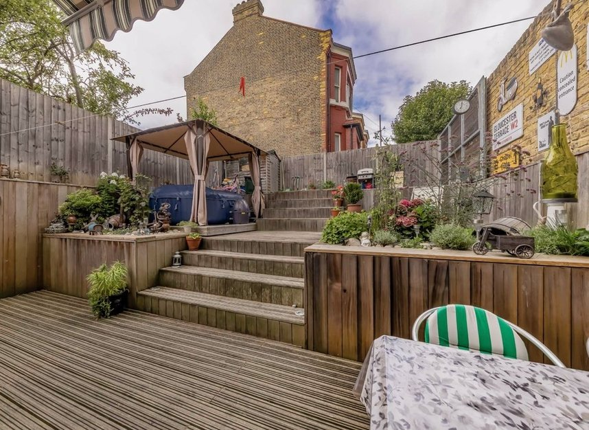 Properties for sale in Dundonald Road - NW10 3HR view5