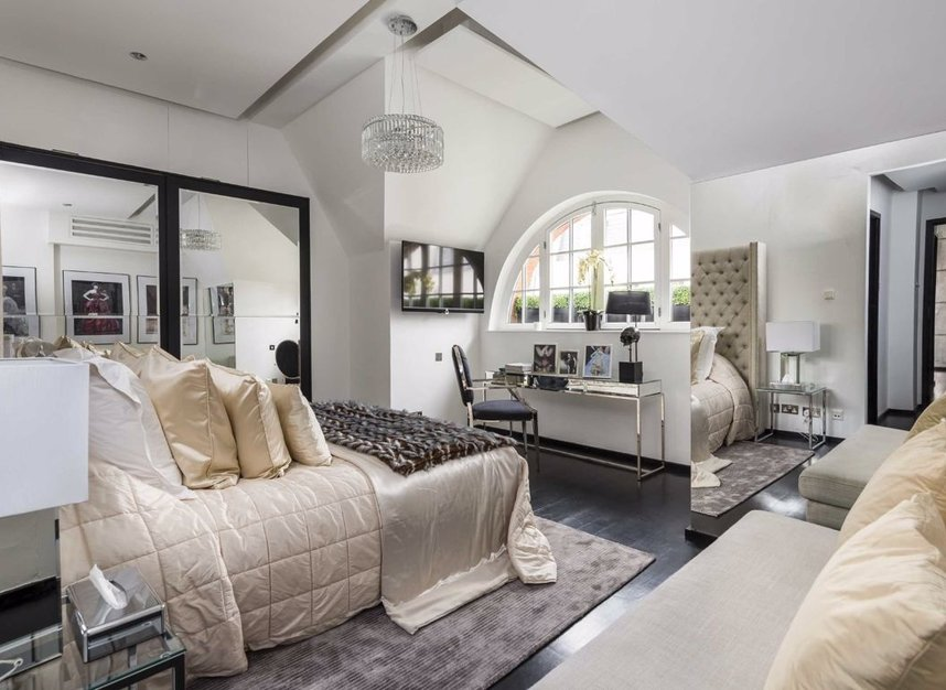 Properties for sale in Dunraven Street - W1K 7EG view4