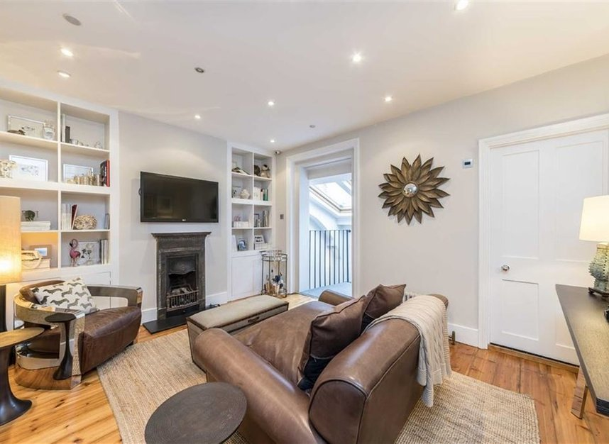 Properties for sale in Dunstable Mews - W1G 6BT view5