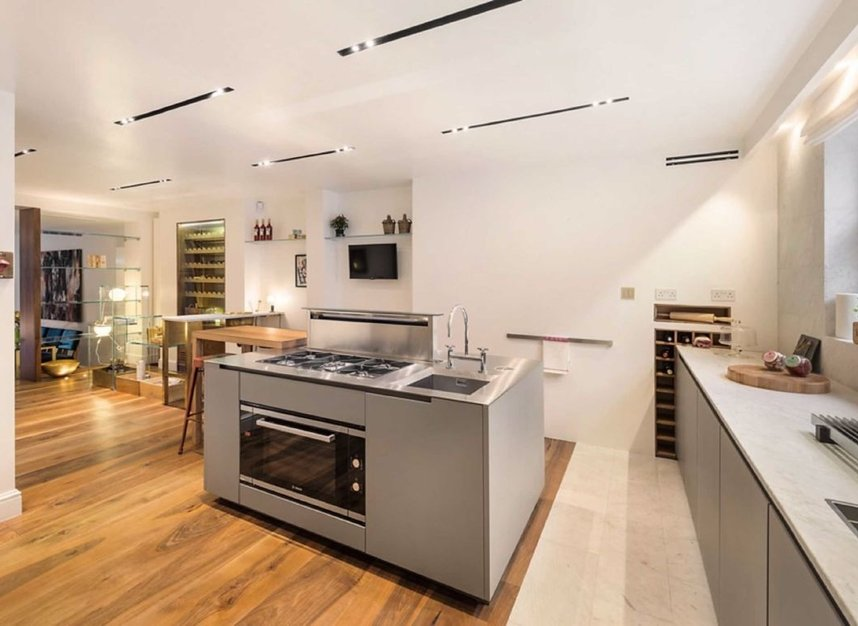 Properties for sale in Eaton Terrace - SW1W 8TP view6
