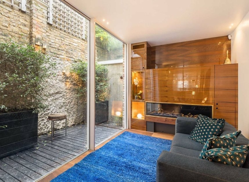 Properties for sale in Eaton Terrace - SW1W 8TP view8