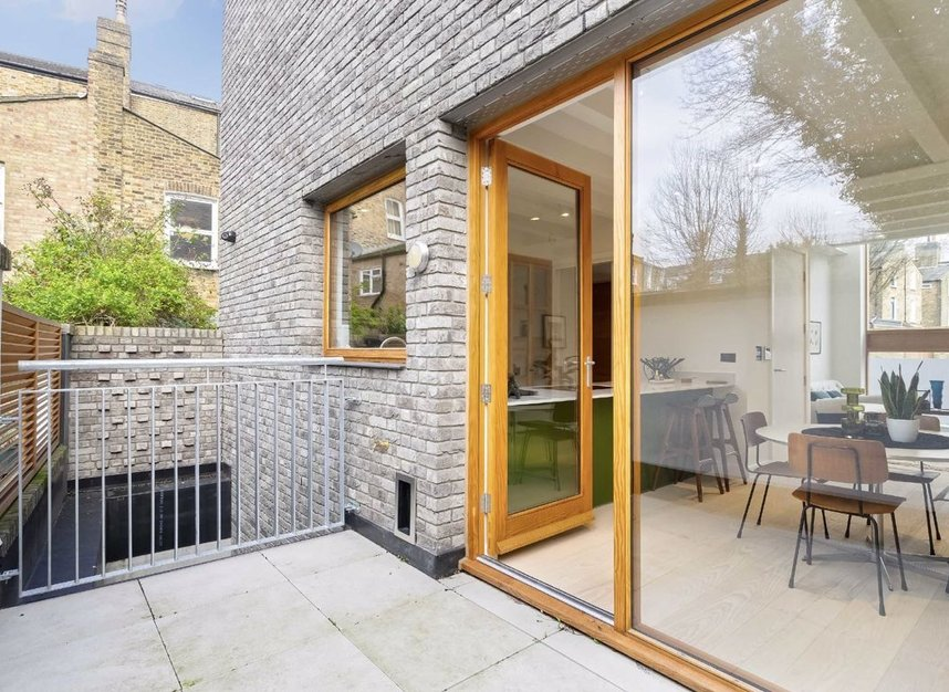 Properties for sale in Edenbridge Road - E9 7DR view5