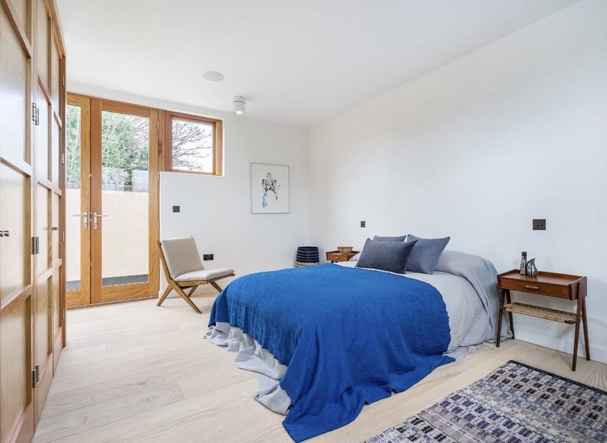 Properties for sale in Edenbridge Road - E9 7DR view6