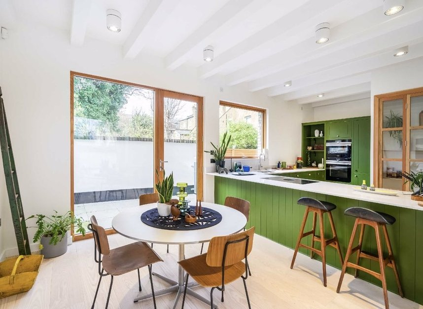 Properties for sale in Edenbridge Road - E9 7DR view4