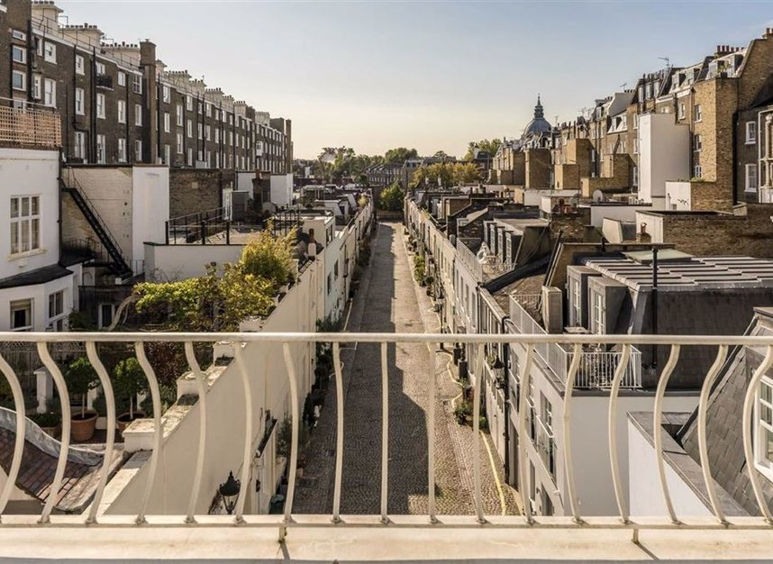 Properties for sale in Ennismore Gardens - SW7 1NH view10