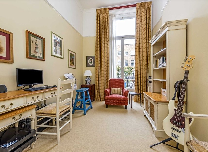 Properties for sale in Ennismore Gardens - SW7 1NL view7