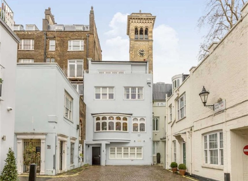 Properties for sale in Ennismore Gardens - SW7 1NH view3