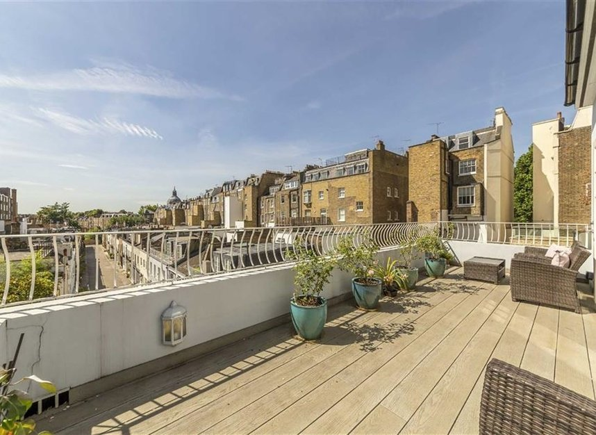 Properties for sale in Ennismore Gardens - SW7 1NH view7
