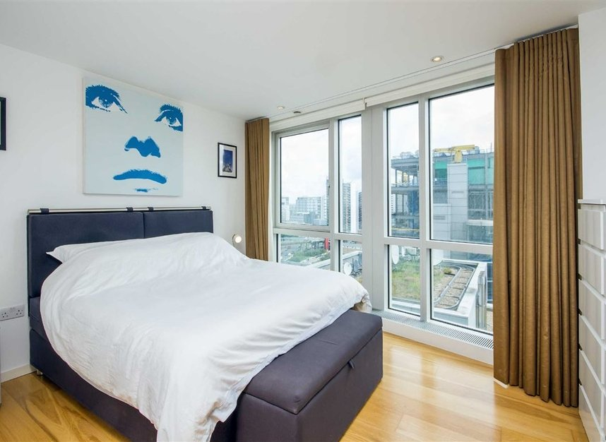 Properties for sale in Fairmont Avenue - E14 9JB view3