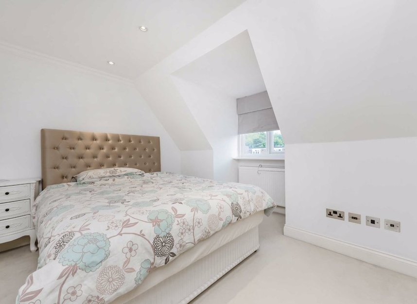 Properties for sale in Finchley Road - NW3 7BS view12