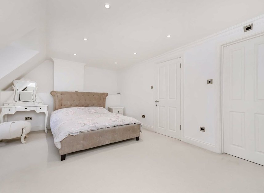 Properties for sale in Finchley Road - NW3 7BS view10