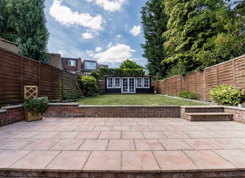 Properties for sale in Finchley Road - NW3 7BS view13