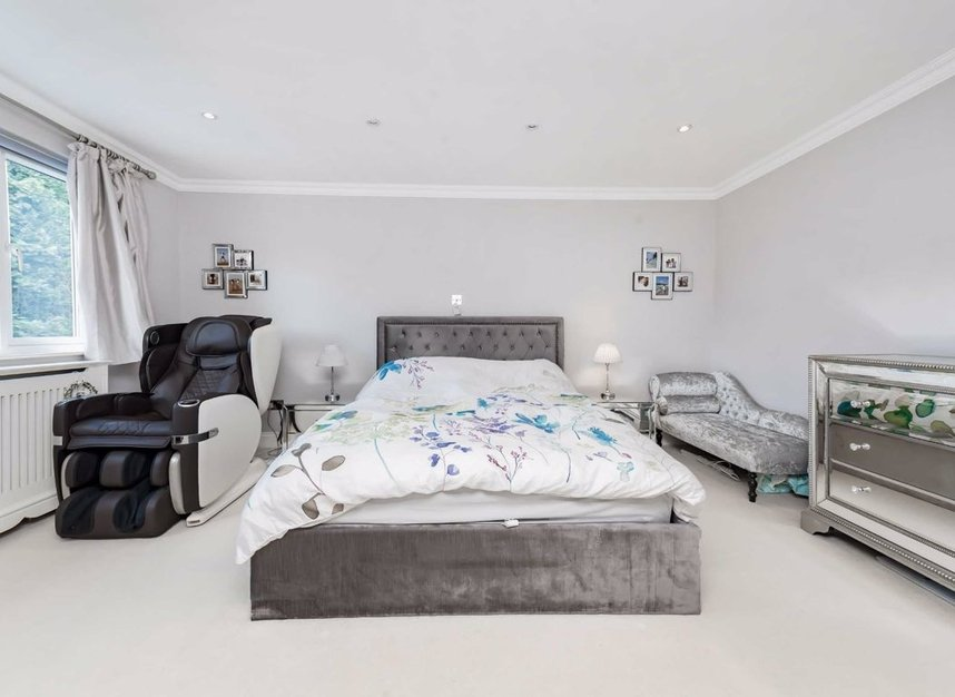Properties for sale in Finchley Road - NW3 7BS view7