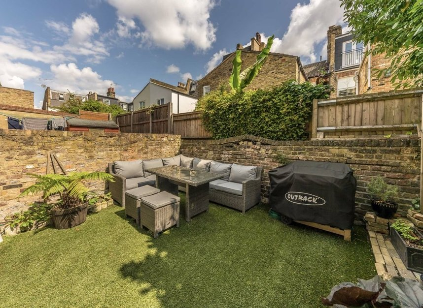 Flat For Sale In Fulham Palace Road London Sw6 Dexters