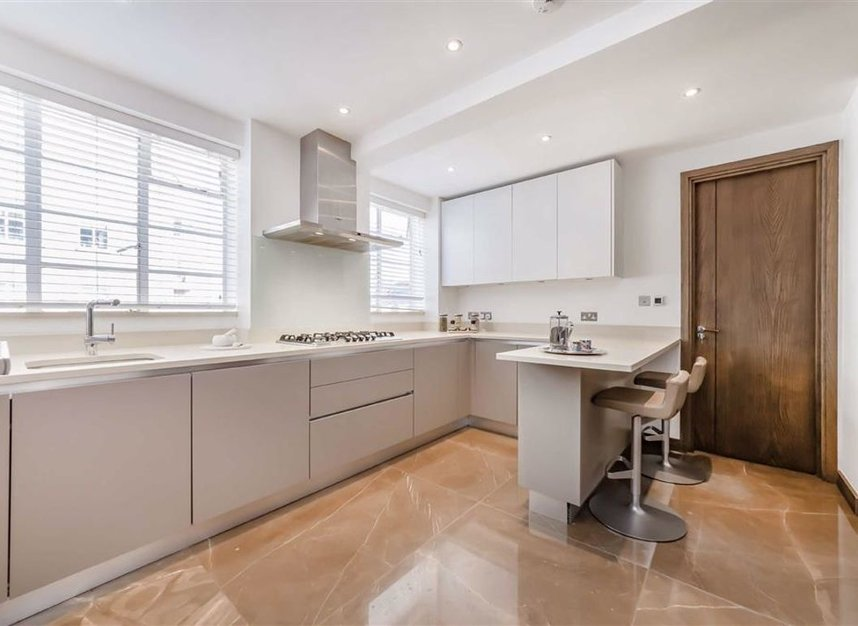 Properties for sale in George Street - W1H 5LG view5