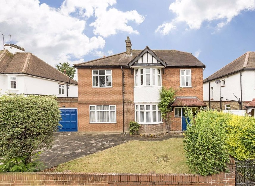 Properties for sale in Gloucester Road - TW12 2UQ view1