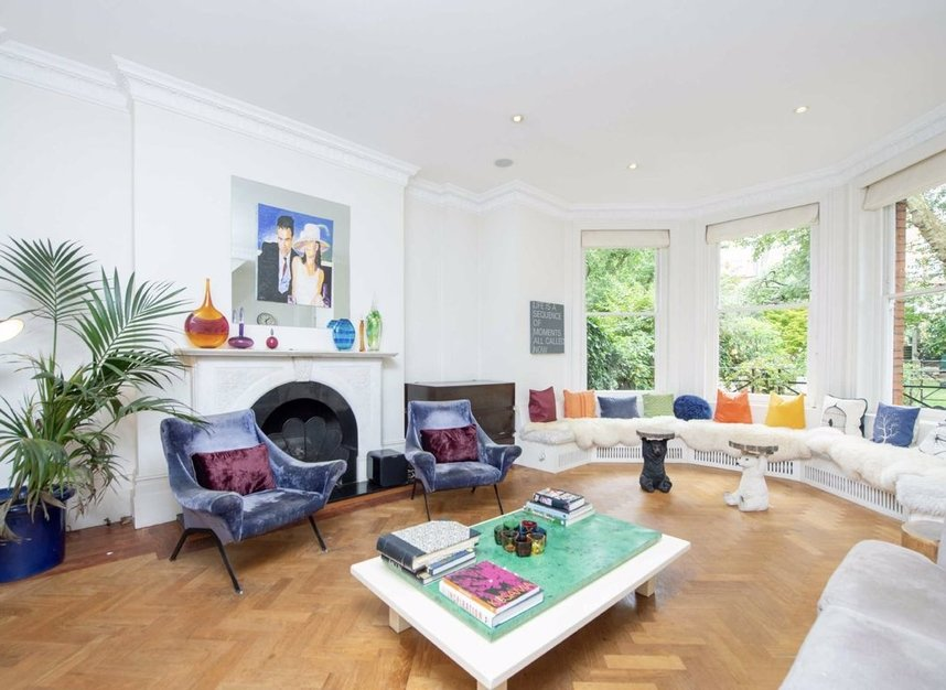 Properties for sale in Gloucester Walk - W8 4HY view2