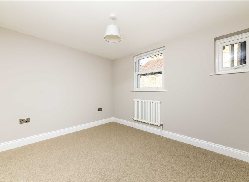 Properties sold in Gowrie Road - SW11 5NR view7