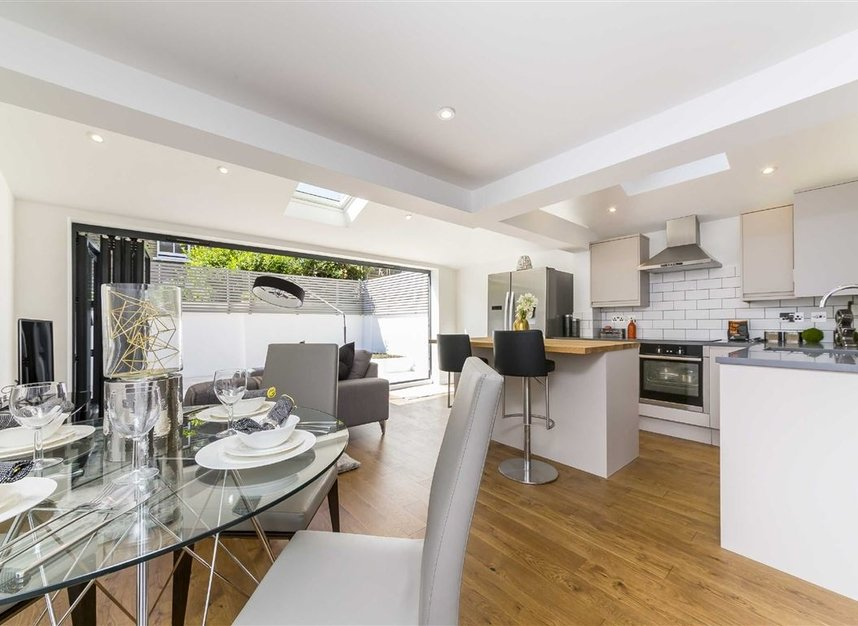Properties sold in Gowrie Road - SW11 5NR view2