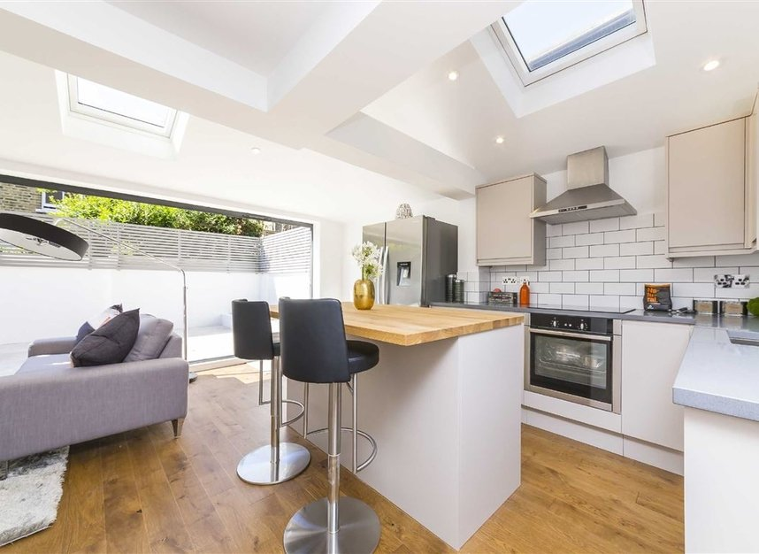 Properties sold in Gowrie Road - SW11 5NR view5