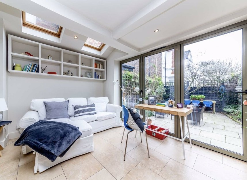Properties sold in Graham Road - W4 5DR view4