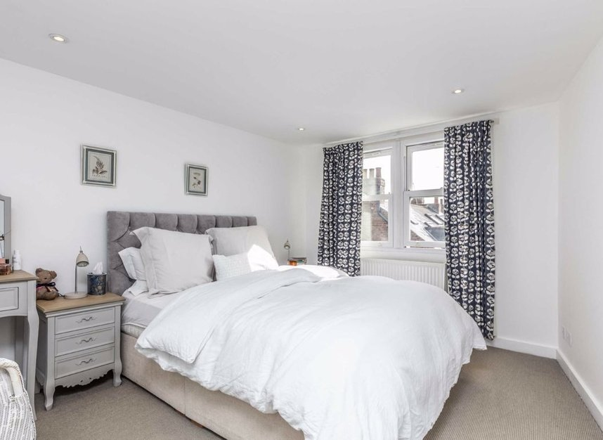 Properties sold in Graham Road - W4 5DR view5