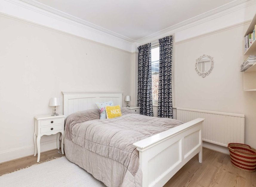 Properties sold in Graham Road - W4 5DR view7