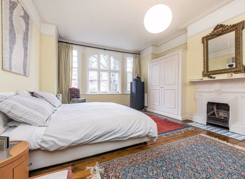 Properties for sale in Grange Road - W4 4DB view6